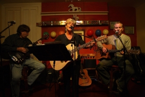 John Rowell, Llinos Campbell and the late Bryn Roberts performing at The White Horse